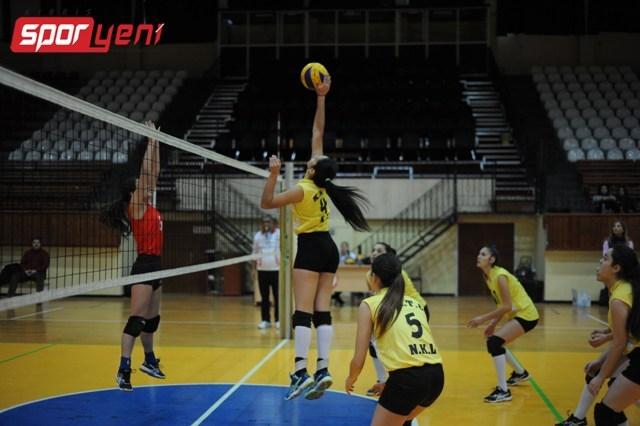 Liselerarası Voleybol Şampiyonası (Yarı Final) galerisi resim 6
