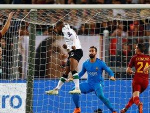 Roma kazandı, Liverpool turladı
