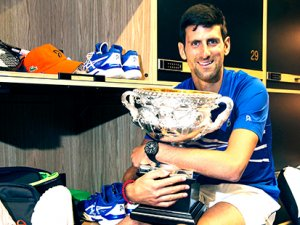 Djokovic ilk basamağı korudu