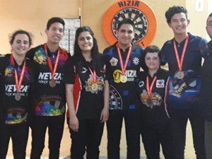 Gençler ve kadınlar yarıştı