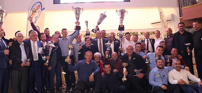 Şampiyonlar kupalarını aldı