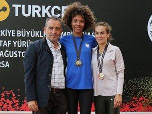 Savaşkan Türkiye ikincisi
