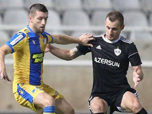 Karabağ APOEL'i Lefkoşa'da yendi