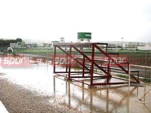 Yağışlardan spor da nasibini aldı