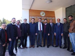 Erhürman ve ekibi KTSYD'yi ziyaret etti