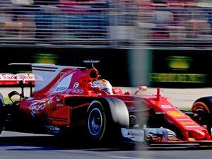 İlk yarışın zirvesi Vettel'in