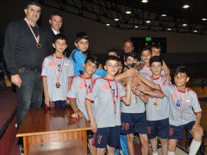 İlkokullar hentbolda zafer Atatürk ve Ağırdağ'ın