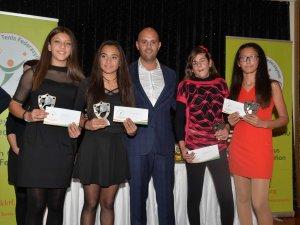 Teniste ödüller verildi
