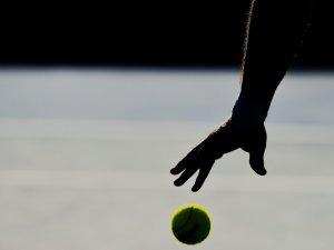 Teniste tek aday Ratip