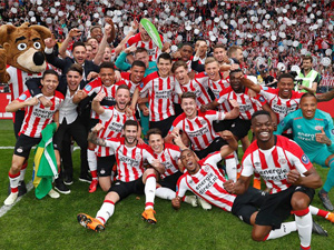 Hollanda'da şampiyon PSV