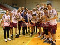YDÜ şampiyon: 73- 74