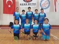 Badmintonda gençlerin mesaisi