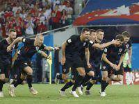 Tarihi maçta tur Hırvatistan'ın