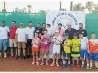 Teniste 12 yaş sporcuları yarıştı