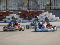 Kartingler piste iniyor