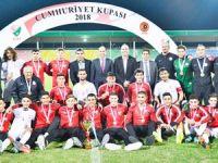 Cumhuriyet Kupası millilerin: 1-0