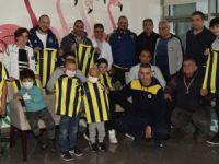 Onkoloji Servisi'ne sarı lacivert ziyaret