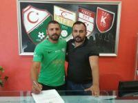 Yeşilova'da Salih Say imzaladı