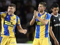 APOEL, Ajax ile eşleşti