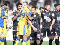 APOEL'i AEK durdurdu