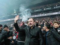 Beşiktaş'tan Sergen Yalçın'a coşkulu imza töreni