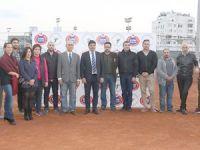 Tenise sponsor desteği