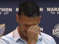 Gözyaşları ile futbolu bıraktı