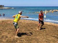 Girne'de Plaj Tenisi heyecanı