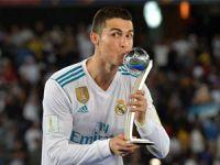"""""""Futbolu Real Madrid'de bırakmak istiyorum"""""""