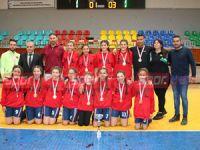 Kızlarda Polatpaşa, erkeklerde YDK şampiyon