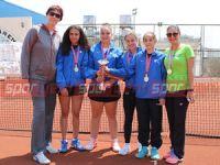 Teniste şampiyonlar Levent ve TMK