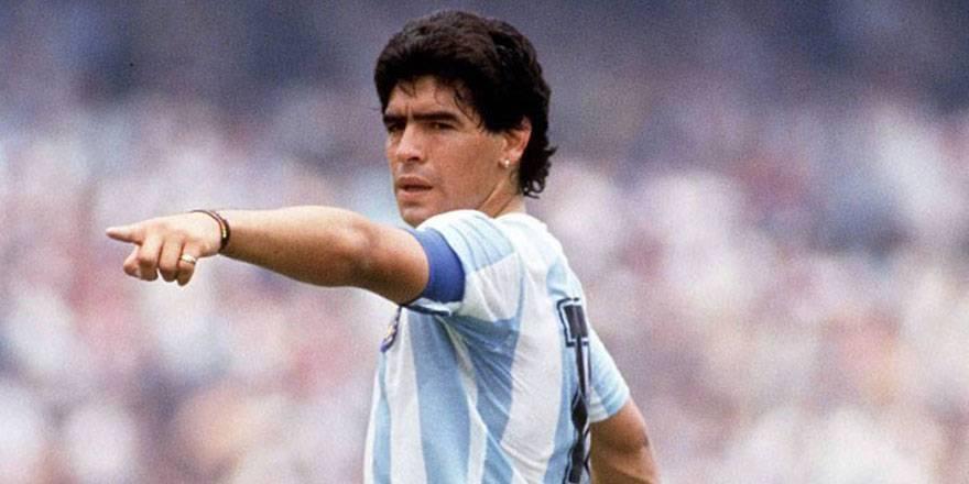 """Dünya Basını: """"Maradona Tanrı'nın Ellerinde"""""""