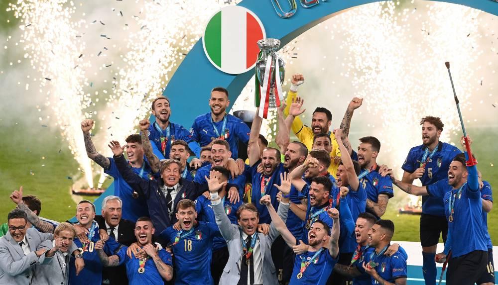 Avrupa Şampiyonu İtalya... 12
