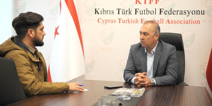 """""""İnsanlar futbol oynanmadığında değilaç kaldığında bu ülkede her şey olur"""""""