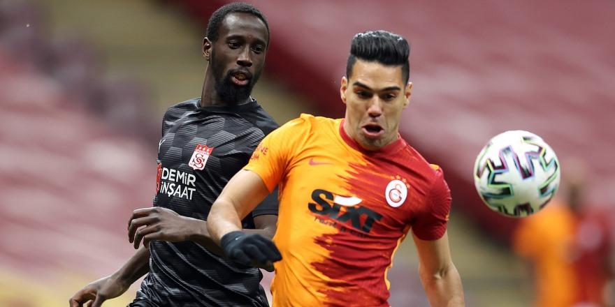 Galatasaray'da kayıplar sürüyor