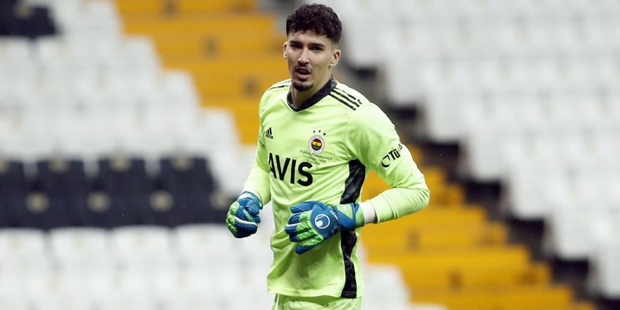 Fenerbahçe'de Altay Bayındır sezonu kapattı