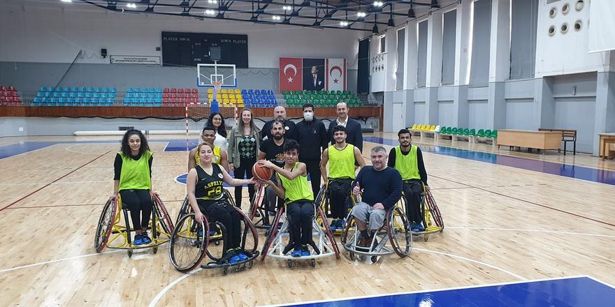 Sapsızoğlu, Aspelya Kulübünü ziyaret etti
