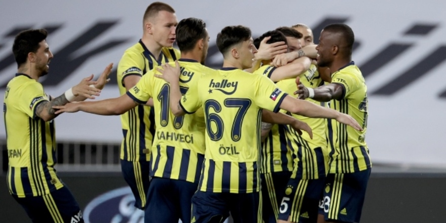 Fenerbahçe yarışı bırakmıyor: 3-1