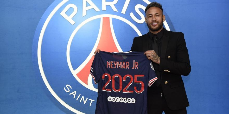 Neymar'dan üç yıllık imza
