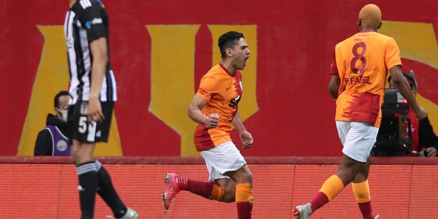 Galatasaray kazandı, kartlar yeniden dağıtıldı