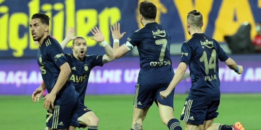 Fenerbahçe'ye Valencia hayat verdi