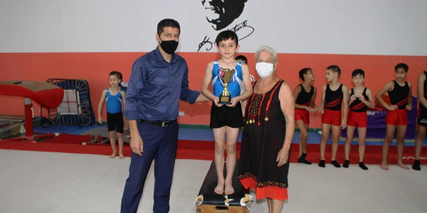 Cimnastikciler Türkmen anısına yarıştı