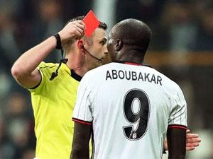 Vincent Aboubakar'a 3 maç ceza
