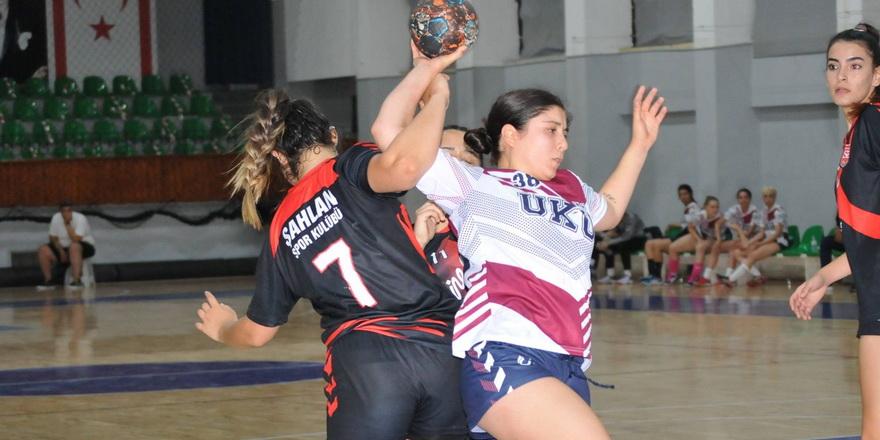 Hentbol kadınlarda Play-off netleşti