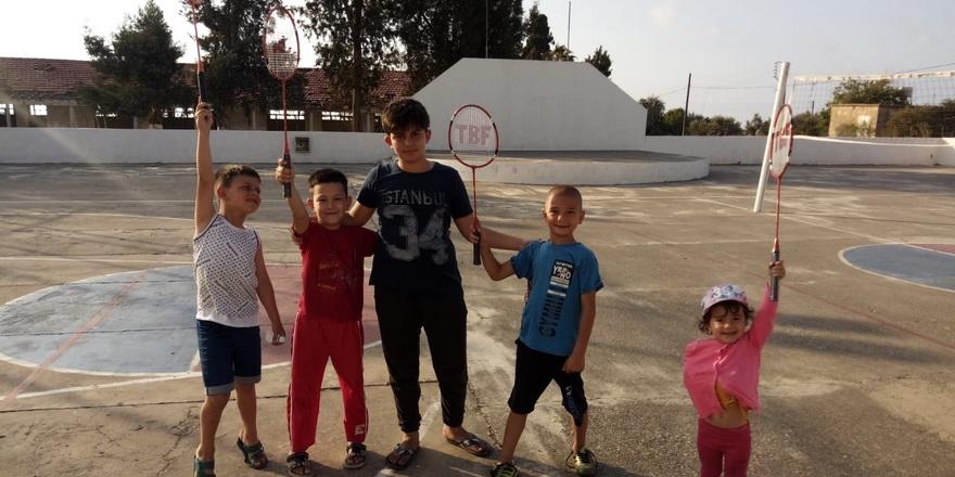 Badminton Yenierenköy'e uzanıyor