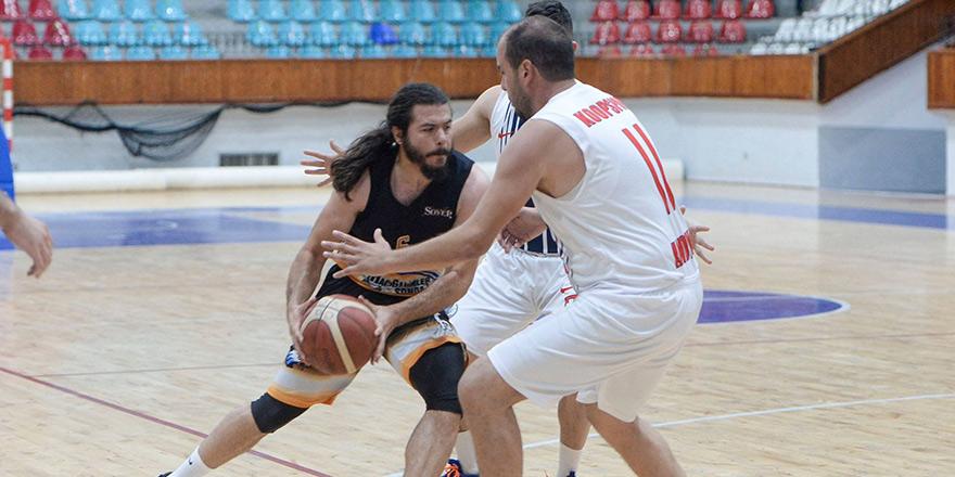 Çekişmeli maçta kazanan Koopspor: 57-52
