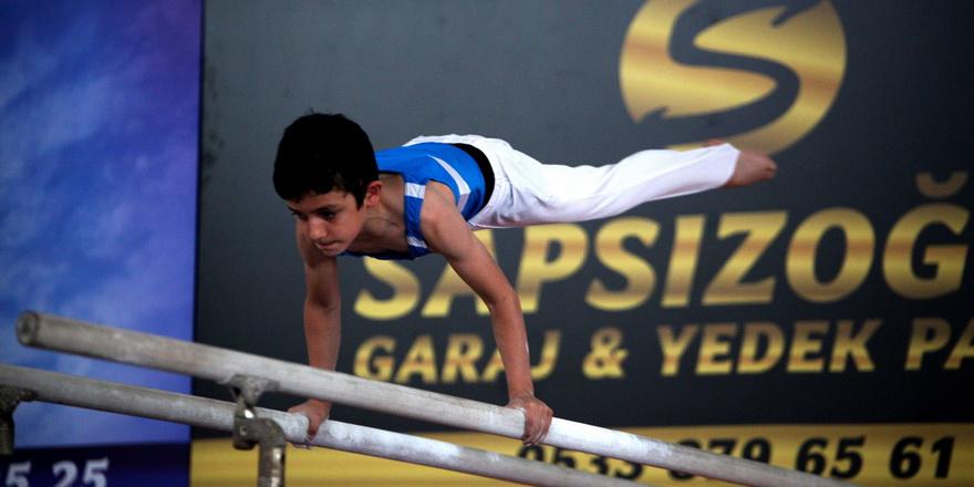 Cimnastikte sahne miniklerin