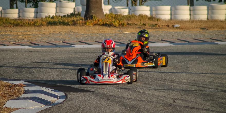 Kartingde son yarış yapılıyor