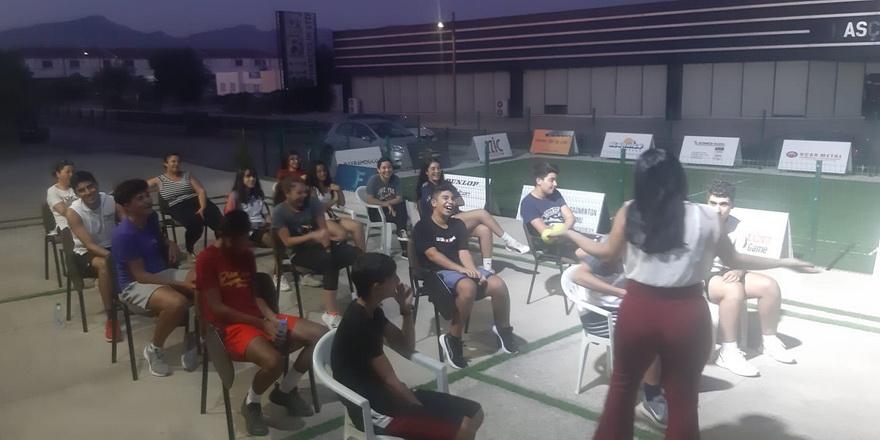 Badmintonda sporcu seminerleri devam ediyor