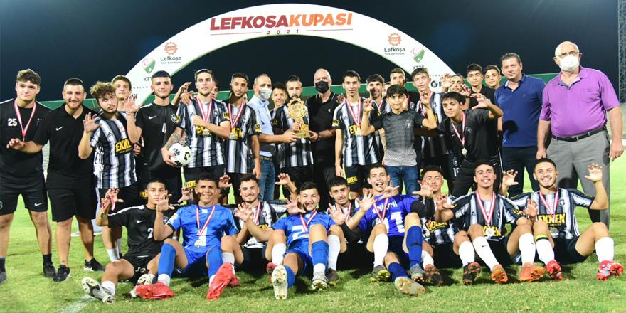 Lefkoşa Kupası'nın şampiyonu Yenicami